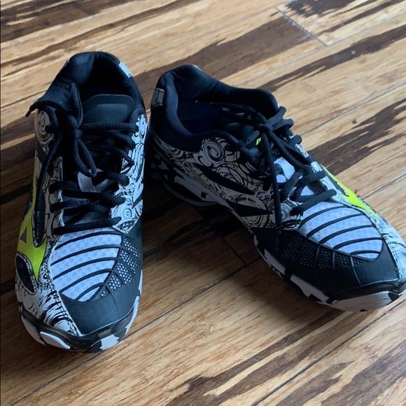 mizuno shoes size 39 for ladies victoria